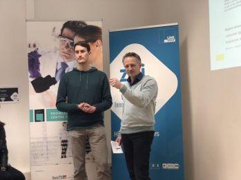 Alexander Lassnig und Prof. Christian Baumgartner - Vorstellung der Technologie - TU Graz